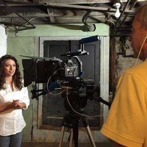 beth-keener-hosting-in-basement-from-night-of-the-living-dead