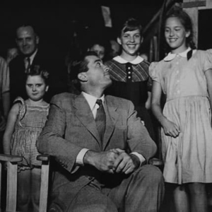 gregory-peck-and-catherine-and-judy-wyler-on-the-set-of-roman-holiday